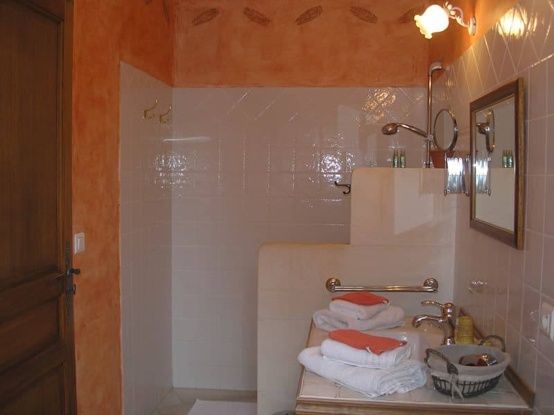 Cigale bed and breakfast luberon clos des lavandes for Chambre hote luberon