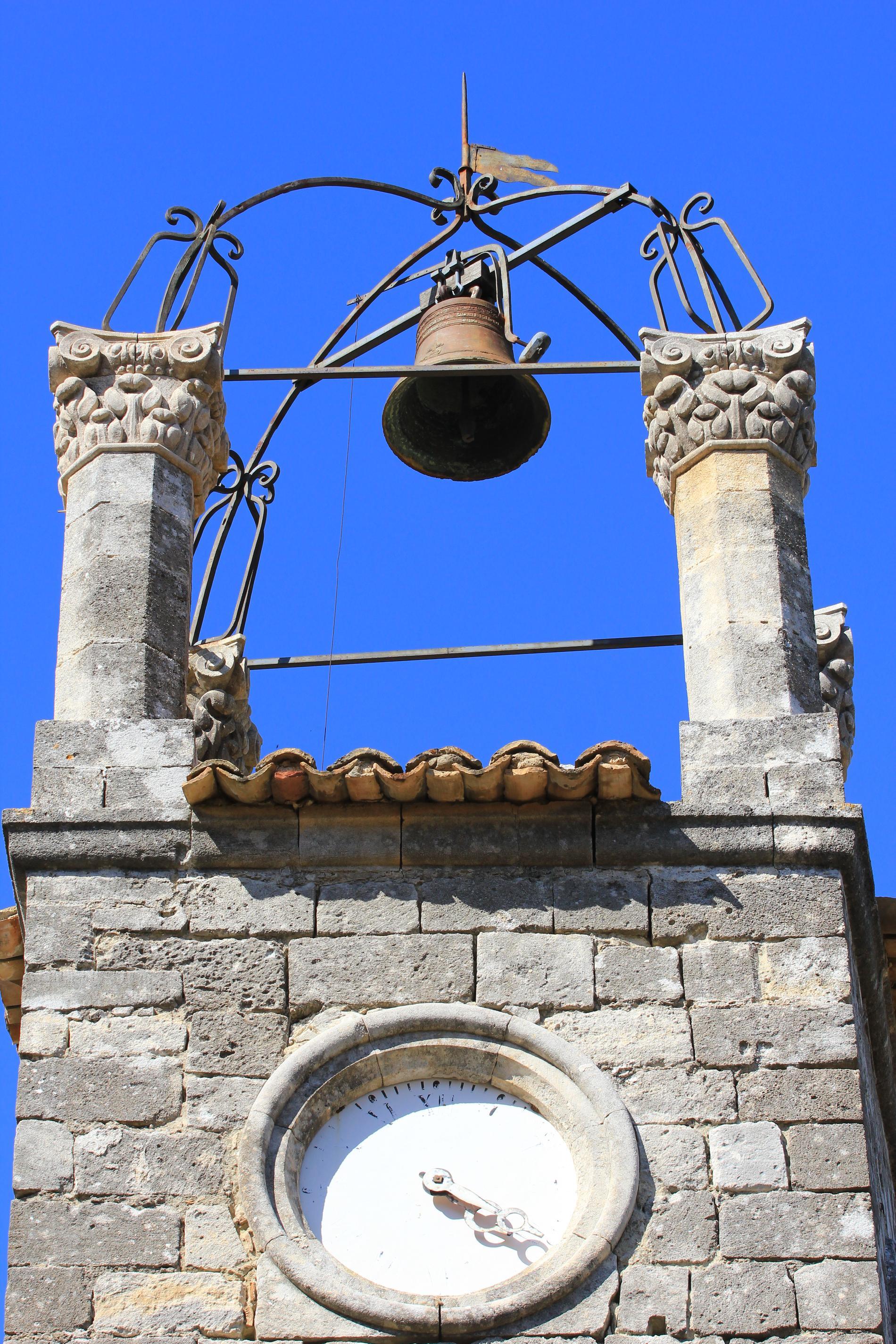 Le campanille de Lacoste dans le Luberon